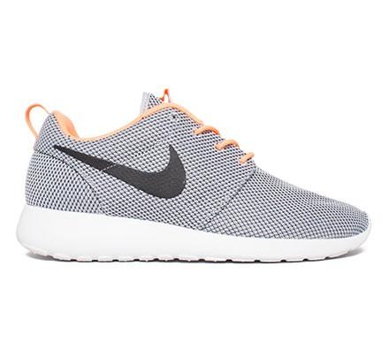 pretty nice 4caa8 46fe2 Nike Rosherun (Wolf Grey/Black-Atomic Orange-White) - Consortium.