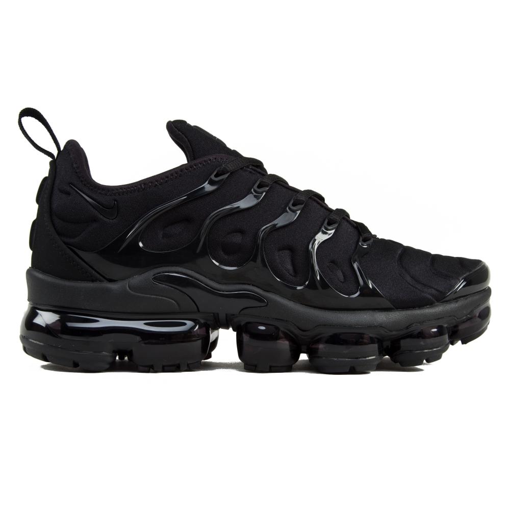 sports shoes a75de 369ae Nike Air VaporMax Plus 'Triple Black'