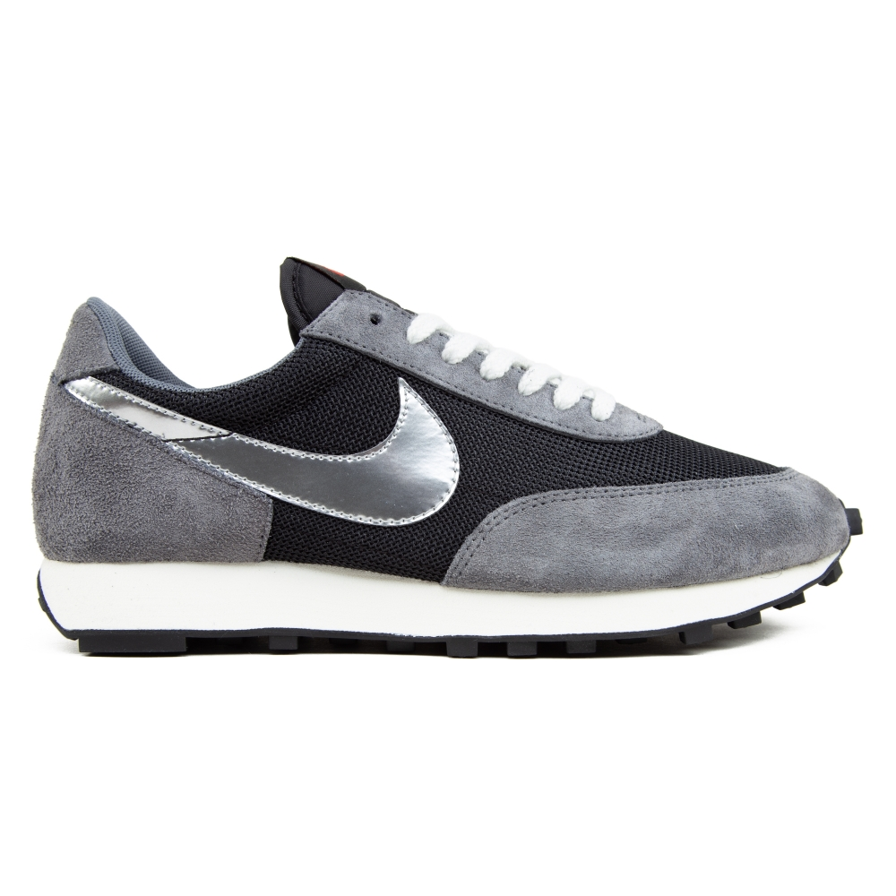 Nike Daybreak SP (Black/Metallic Silver-Dark Grey)