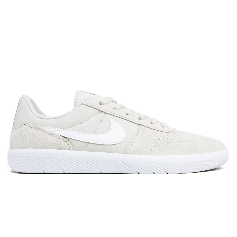Nike SB Team Classic (Light Bone/White-Ridgerock)