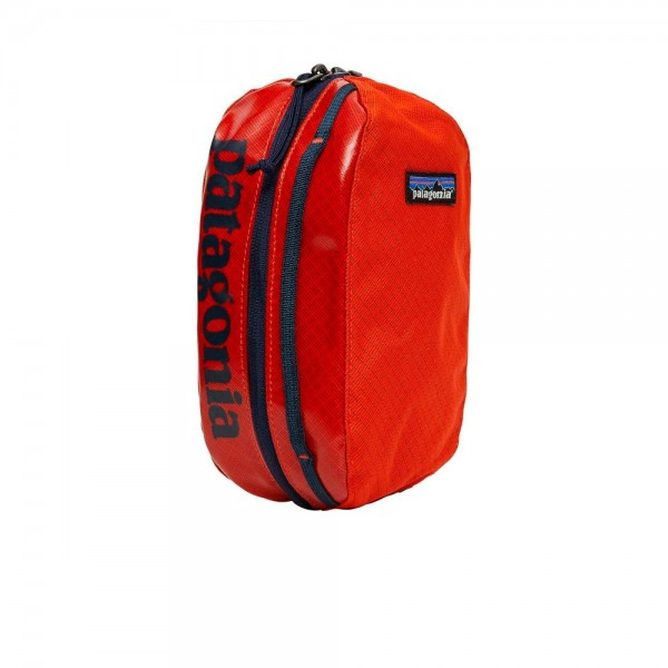 Patagonia Black Hole Cube Small (Paintbrush Red)