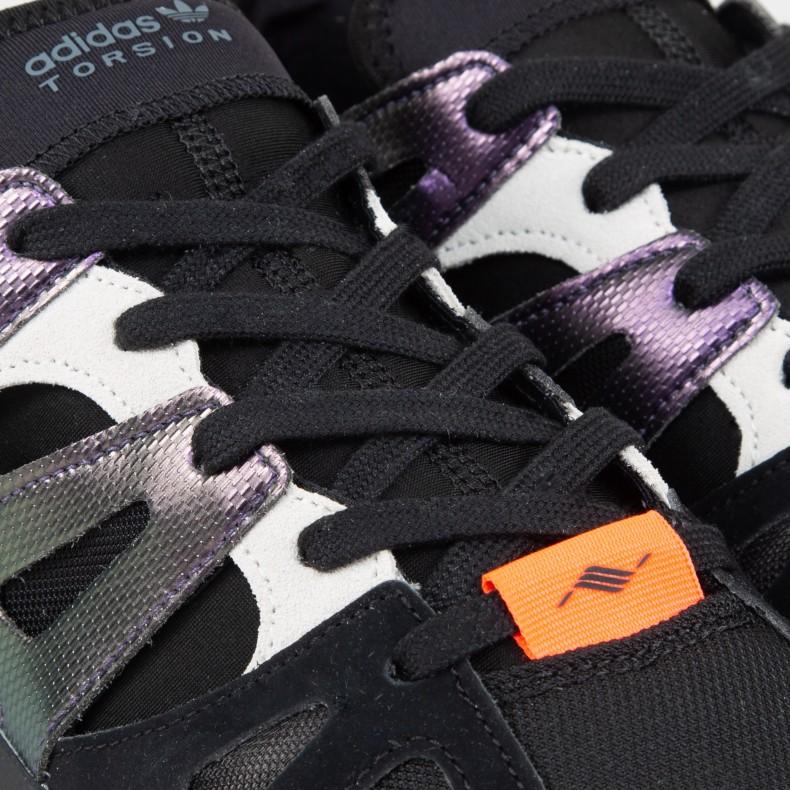 buy popular e999a eef09 adidas Dimension Lo Console. (Core BlackRaw WhiteActive Purple)