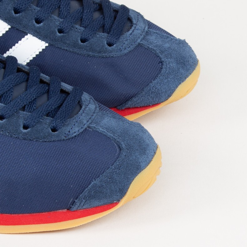adidas Originals Country OG (Collegiate NavyFootwear WhiteScarlet)