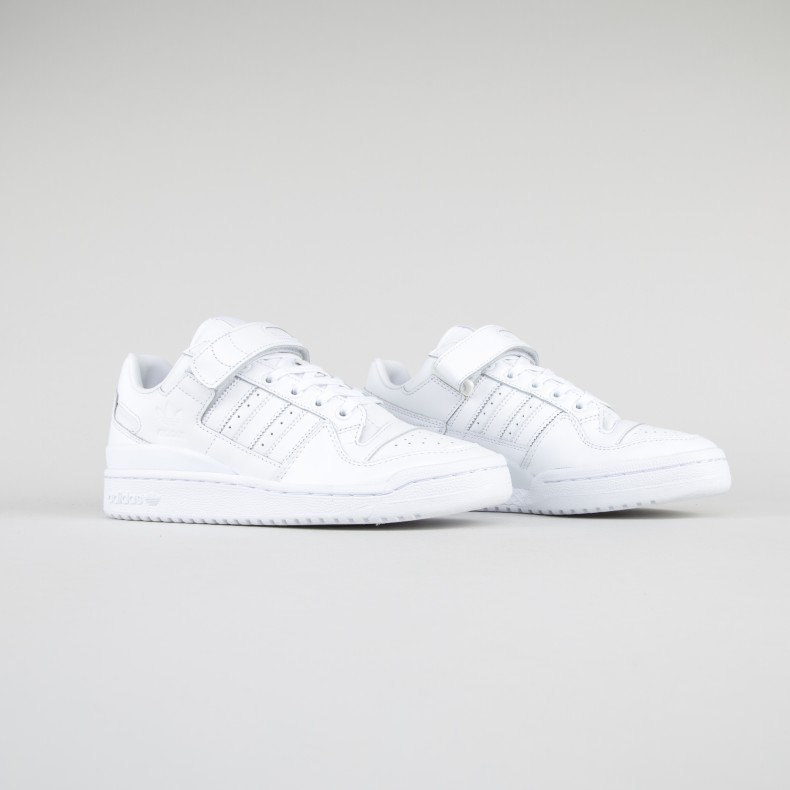plus récent 95858 899e1 adidas Originals Forum Low Refine (Footwear White/Footwear White/Core Black)