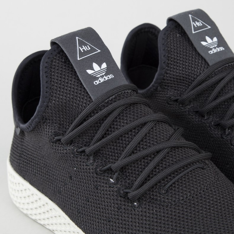 ba305439cfdd0 adidas Originals Pharrell Williams Tennis Hu (Carbon Carbon Chalk ...