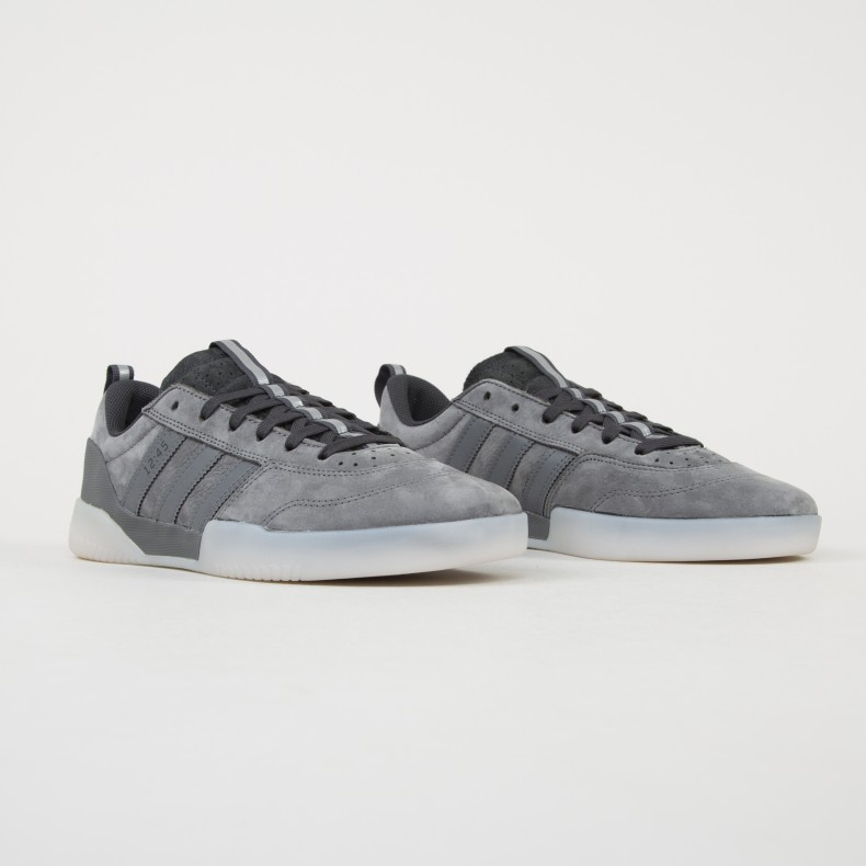 brillo material Matemático  adidas Skateboarding City Cup X Numbers, Grey Four Carbon Grey One, 13,5