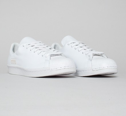 adidas superstar clean all white