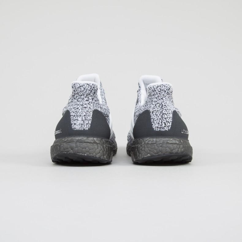 huge selection of b65bd d9ea8 adidas UltraBOOST 4.0 'Oreo' (Footwear White/Footwear White ...