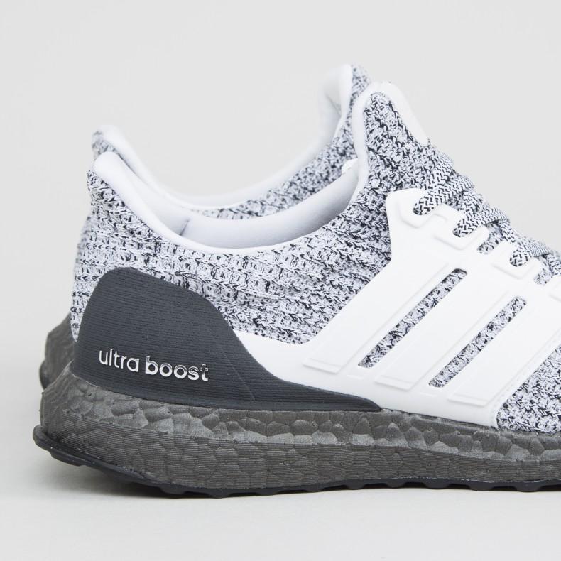 huge selection of 34c30 4e78c adidas UltraBOOST 4.0 'Oreo' (Footwear White/Footwear White ...