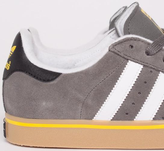 hot sale online a64cd 94127 adidas Skateboarding Campus Vulc. (Mid Cinder F09 Running White FTW Vivid  ...