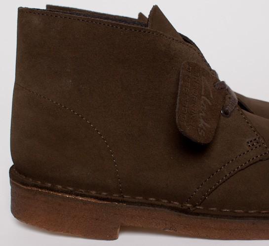 25e259f3 Clarks Originals Desert Boot (Olive Suede) - Consortium.