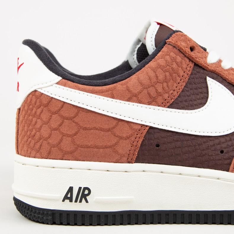 Nike Air Force 1 Premium 'Snakeskin Brown' (Red BarkSail Earth University Red)