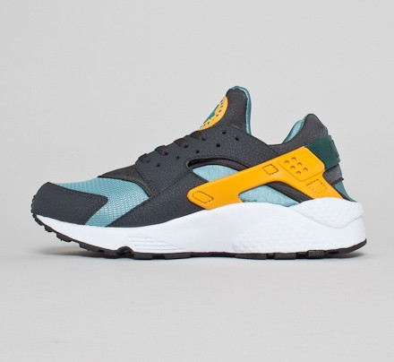 156c54cbdbef Nike Air Huarache (Catalina University Gold-Anthracite) - Consortium
