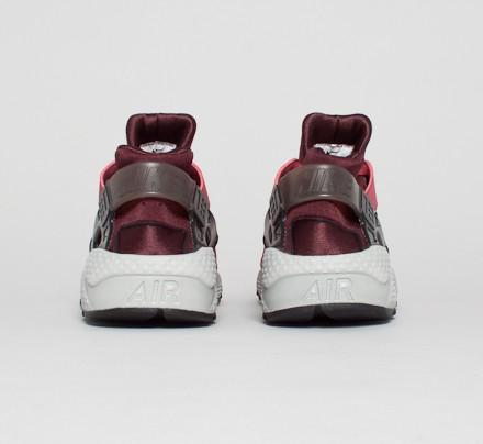 hot sales 10906 42080 Nike Air Huarache. (Cedar Black-Deep Burgundy)