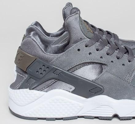 nike air huarache dark grey