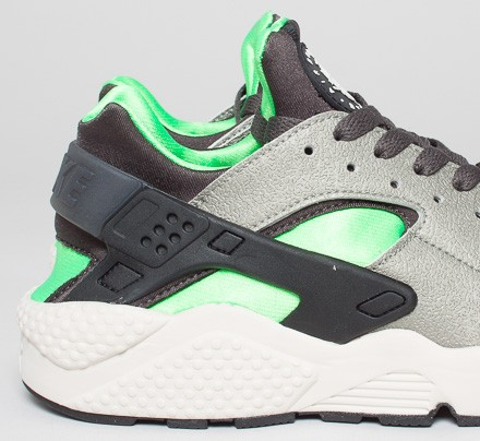 nike huarache grey and green