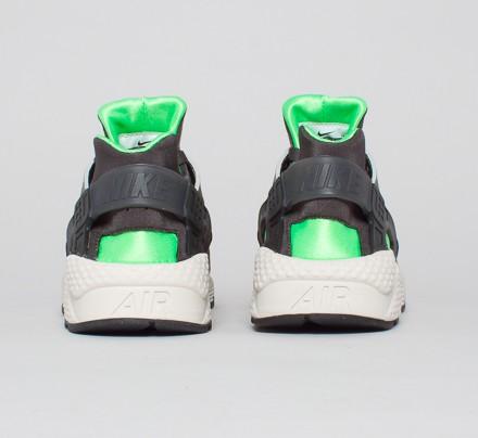 competitive price a7fdf 6221b Nike Air Huarache. (Mine Grey Midnight Fog-Poison Green-Black)