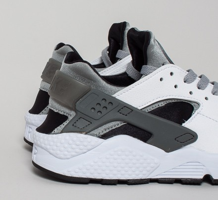 separation shoes 16490 16d6d Nike Air Huarache. (White Wolf Grey-Black-Cool ...