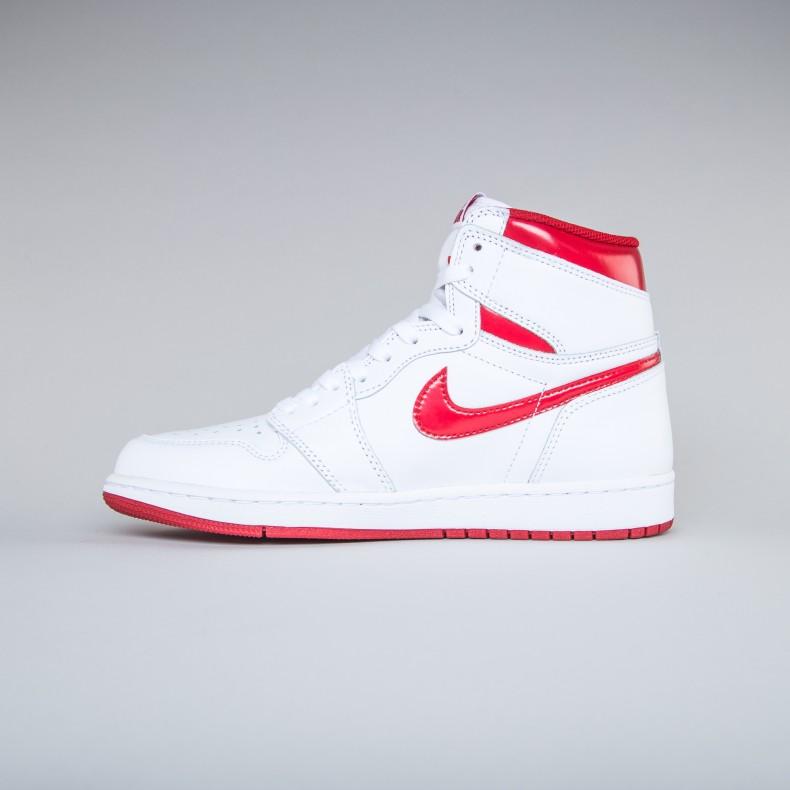 48cc7392159d Nike Air Jordan 1 Retro High OG (White Varsity Red) - Consortium.