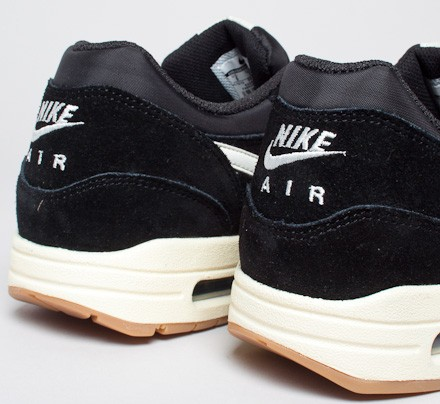 00e4825846 ... best price nike air max 1 essential black sail black gum light brown  consortium 48084 434f9