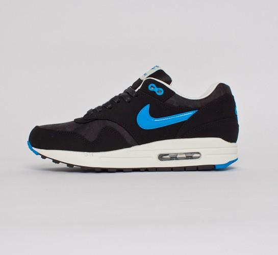 pretty nice 6a7b4 12a06 Nike Air Max 1 Premium. (Black Blue Hero-Black-Sail)