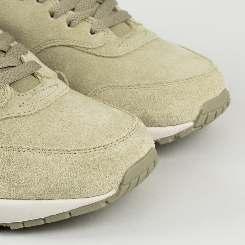 f0705fe5ad575b Nike Air Max 1 Premium SC 'Jewel'. (Neutral Olive/Metallic Gold-Desert Sand)