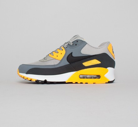 buy popular 69f3f fbc49 Nike Air Max 90 Essential. (Pale Grey Black-Anthracite-Laser Orange)