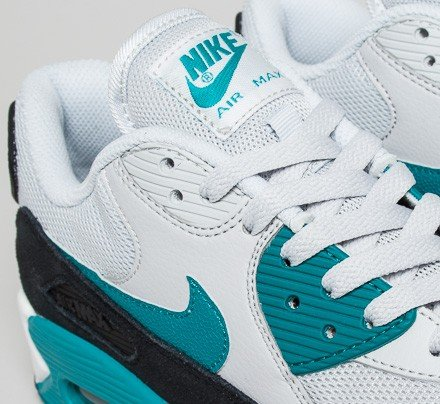 new products 5291a 1afb8 Nike Air Max 90 Essential. (Pure Platinum/Radiant Emerald-Black-Summit White )