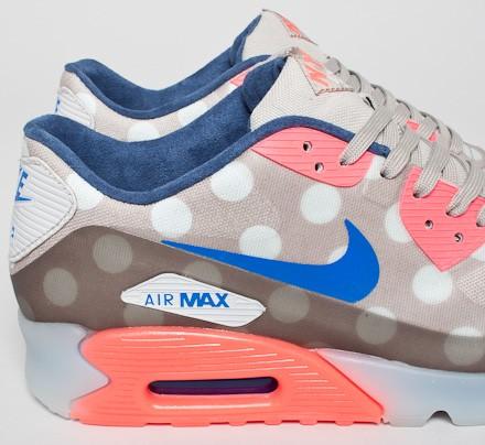 new product 3c516 921fb Nike Air Max 90 Ice New York 'City Pack' QS. (Classic Stone/Hyper Cobalt- Hyper ...