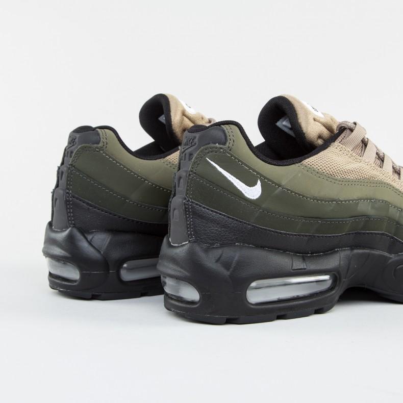Nike Air Max 95 Esencial De Color Caqui Negro / Sequoia / Carga / Blanco YXCR9FX9