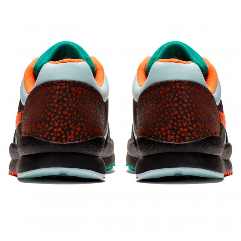 2c701d39f9e43f Nike Air Safari SE  Supreme Tech Pack . (Black Team Orange-Emerald Green)