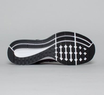 new styles 3590b d904c Nike Air Zoom Pegasus 32. (Black White-Pure Platinum)