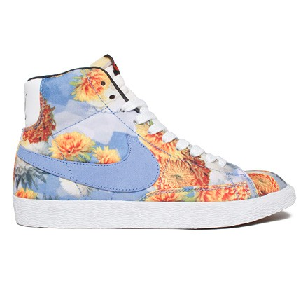 separation shoes 23a40 51caf Nike Blazer Mid Premium Vintage Chicago  City Floral Pack  QS  (Multi-Colour Polar-White) - Consortium