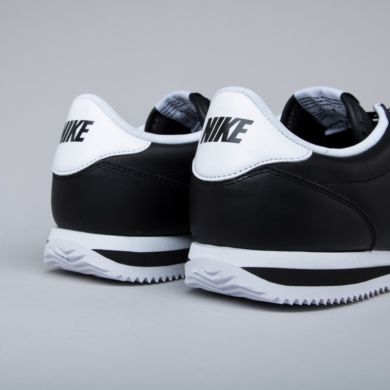 huge selection of d9016 a8db4 Nike Cortez Basic Jewel (Black/White) - Consortium.