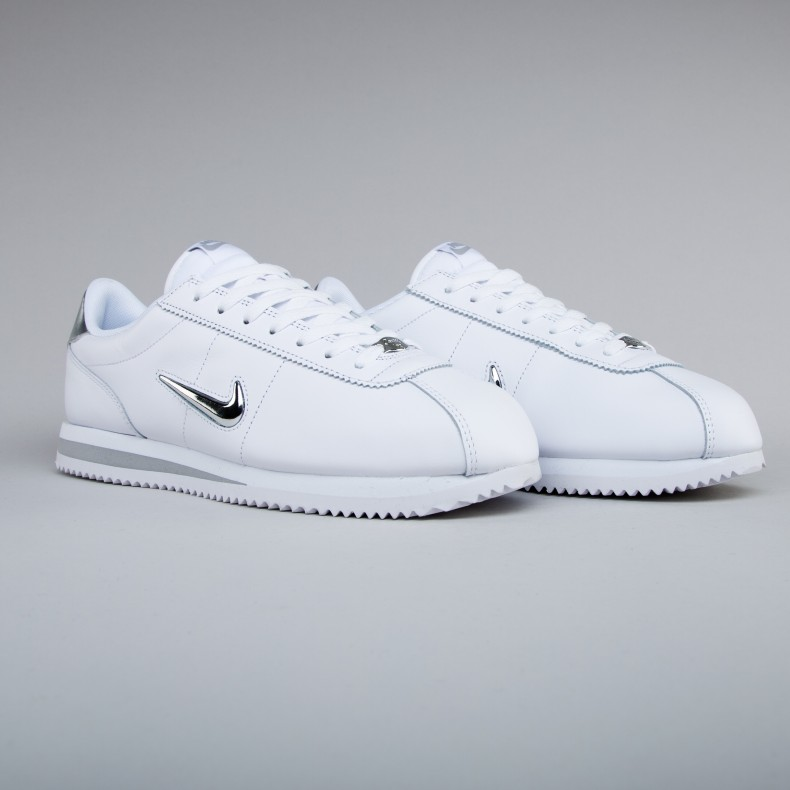 100% authentic e7ae6 27ccc Nike Cortez Basic Jewel. (White Metallic Silver)