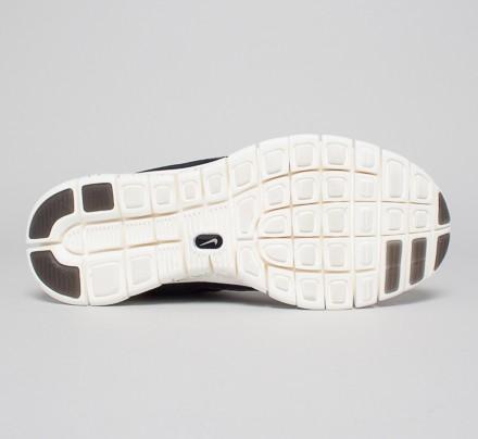 f7a77ab06cd7 Nike Free Powerlines II LTR (Black Dark Grey-Sail-Metallic Silver ...