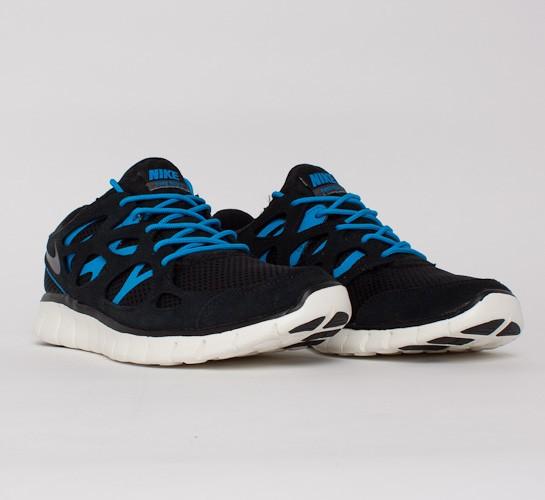nike free runs blue and black