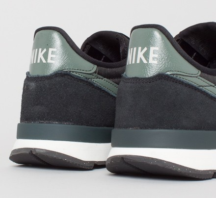 separation shoes 1a66b 7620b Nike Internationalist. (Black Dark ...