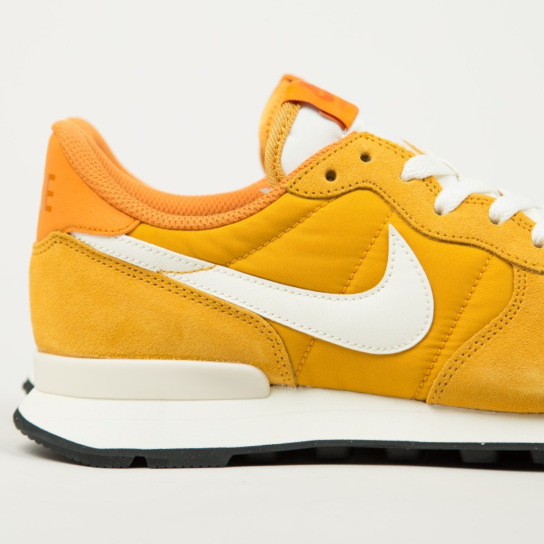 on sale 83a16 2dcf7 Nike Internationalist (Gold Leaf Sail-Sail) - Consortium.