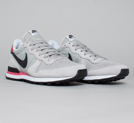 nike internationalist infrared