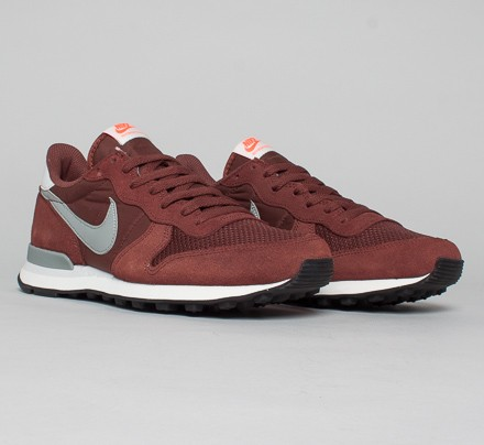 picked up cheapest detailed look Nike Internationalist (Red Sepia/Base Grey-Light Base Grey ...