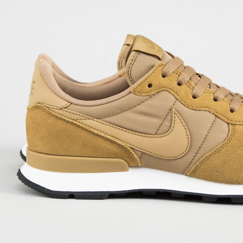 size 40 65edb 9a250 Nike Internationalist SE. (Elemental Gold Elemental ...