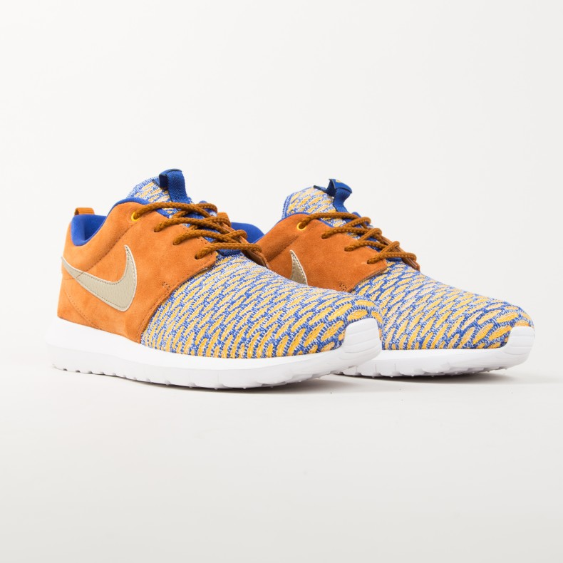 new product 96a68 a7bad Nike Roshe One Flyknit Premium