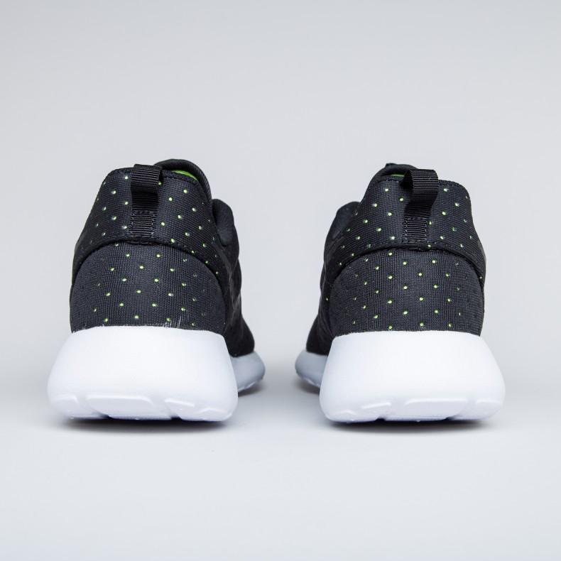low priced 8d62d bdec1 Nike Roshe One SE (Black/Black/Volt)