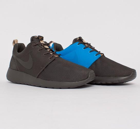 Nike Roshe Run (Newsprint Newsprint-Newsprint-Blue Hero) - Consortium. 22c731d30