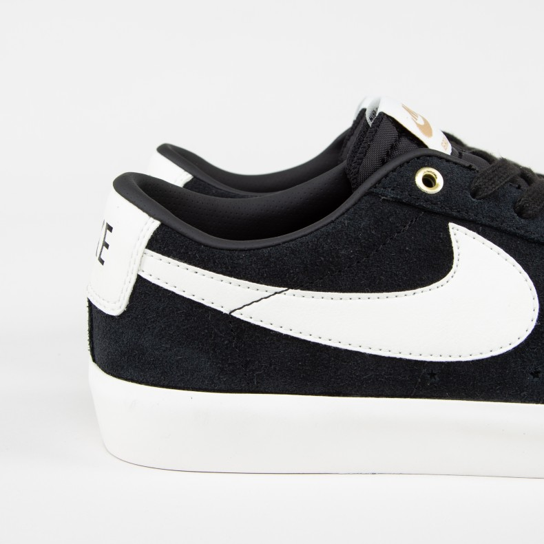 low priced 7d54b 7b01e Nike SB Blazer Low Grant Taylor (Black/Sail)