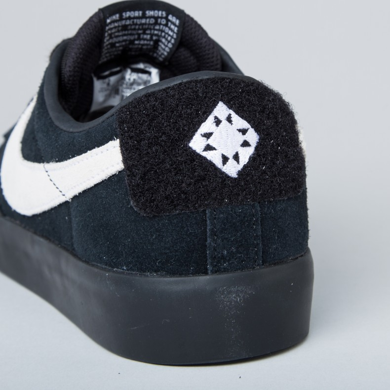 hot sale online ee8bd 7dc5b Nike SB Blazer Low 'Grant Taylor' (Black/White-Black ...