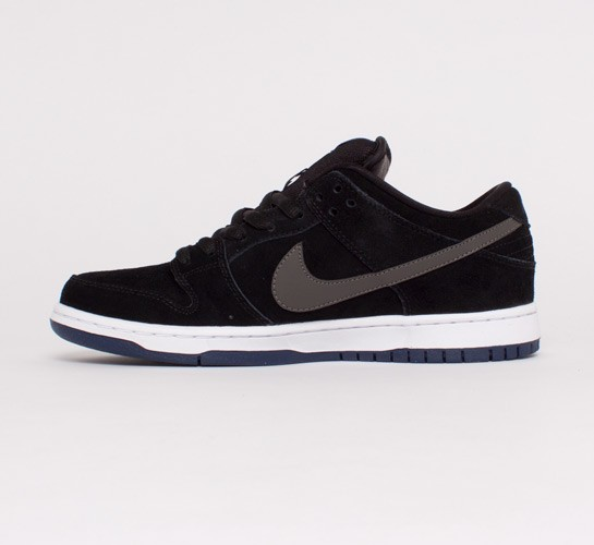 huge selection of 141e7 37d1d Nike SB Dunk Low Pro