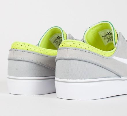 online store 4b939 14c37 Nike SB Stefan Janoski GS. (Base Grey White-Venom Green)