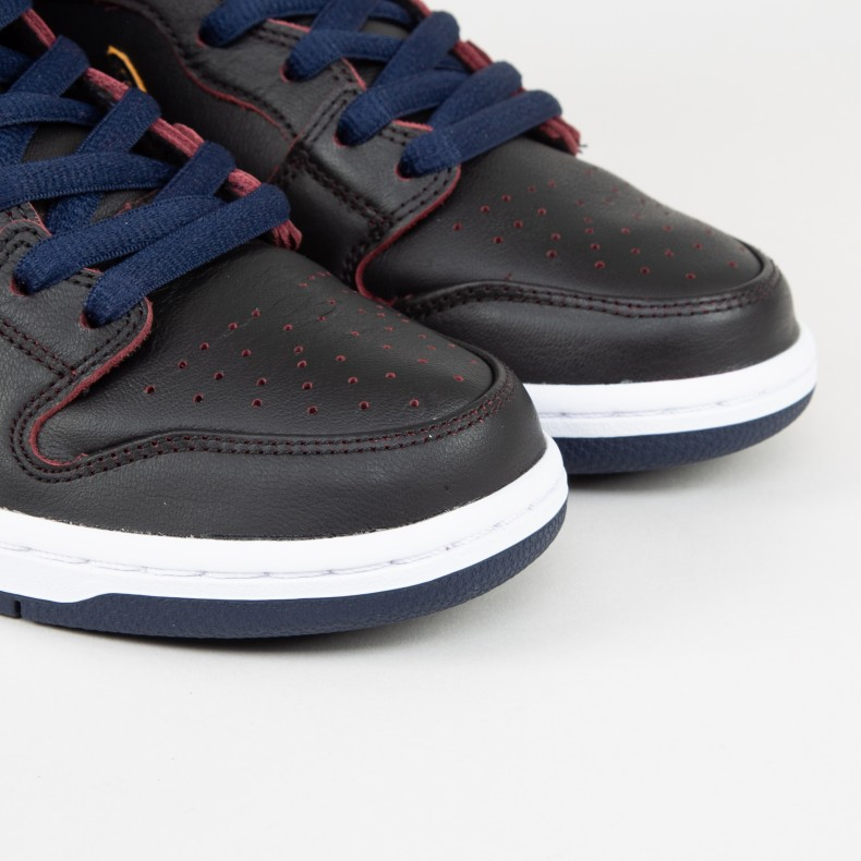 5f017322d Nike SB x NBA Dunk High Pro  Cleveland Cavaliers . (Black Black-College Navy-Team  Red)